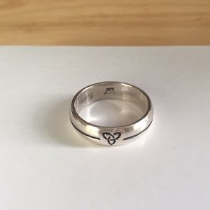 .925 Sterling Silver Celtic Band Ring Size 9